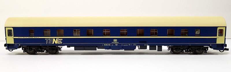Carrozza UH DB 71 80 71-80 767-8 con porte, tetto e fasce beige (art. 44841) - foto da ebay