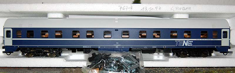 Carrozza UH OBB 71 81 71-80 767-7 (art. 44843) - foto da ebay