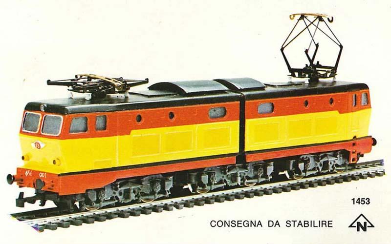 Prima apparizione della E656 Rivarossi, in livrea TEE (modello mai commercializzato) - foto da catalogo Rivarossi 1975/76 - rivarossi-memory.it
