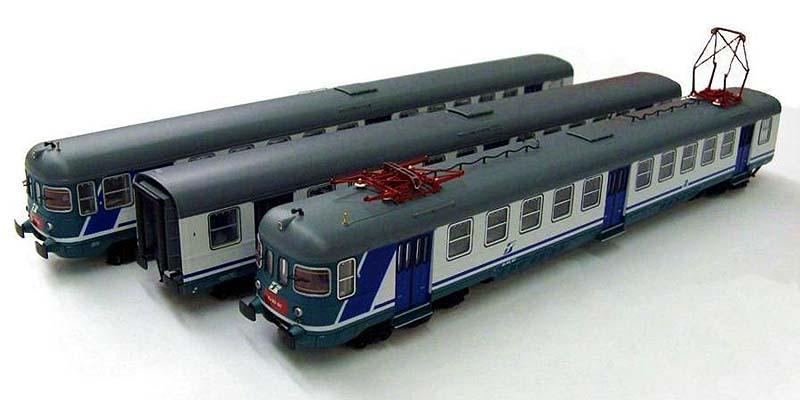 ALe803 007 e rimorchi Le 803 112 e 005 in livrea XMPR, art. 91402 - foto da ebay