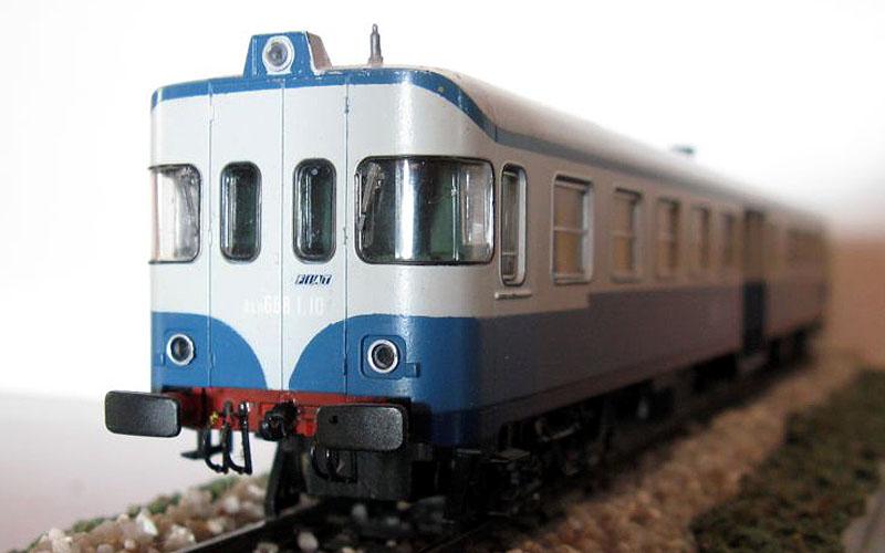 ALn 668 I.10 della Ferrovia Alifana, art. 309210LK - foto da trenomania.org
