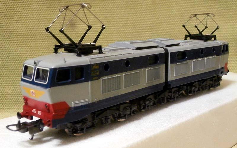 La prima versione dell'E656 023 (art. 8064L) - foto da ebay