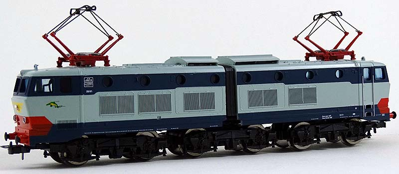 E656 519 di produzione primi anni 2000, venduta con marchio Lima-Jouef - foto da ebay