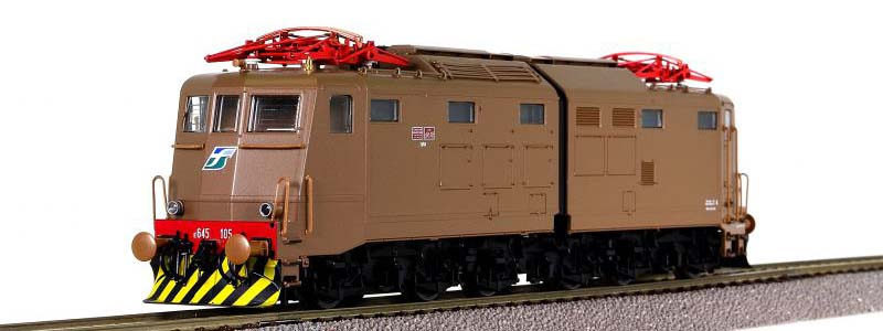 E645 105 in livrea isabella con loghi XMPR, art. 63646 - foto da ebay