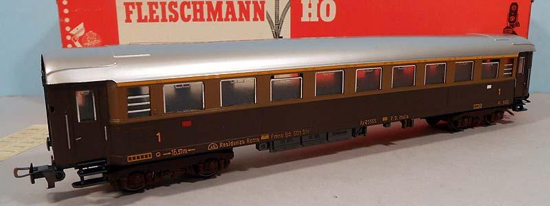 "Carrozza ""tipo 1955"" Fleischmann - foto da ebay"