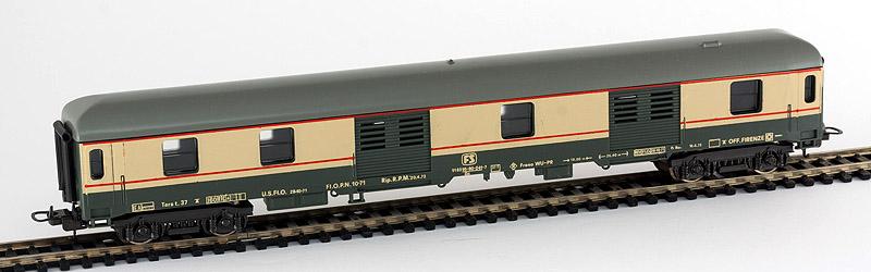 """Bagagliaio FS in livrea """"Gran Confort"""" con tetto scuro, art. 9317 - foto da rail-modelling.com"""
